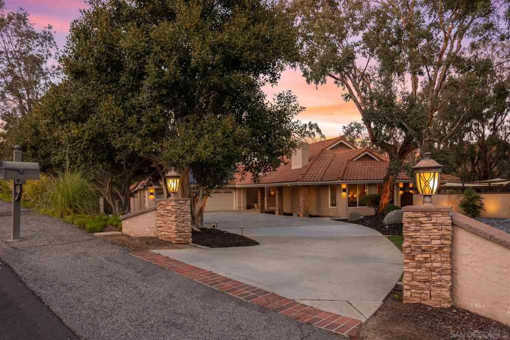 15311 Crestview Court, Poway, CA, 92064,