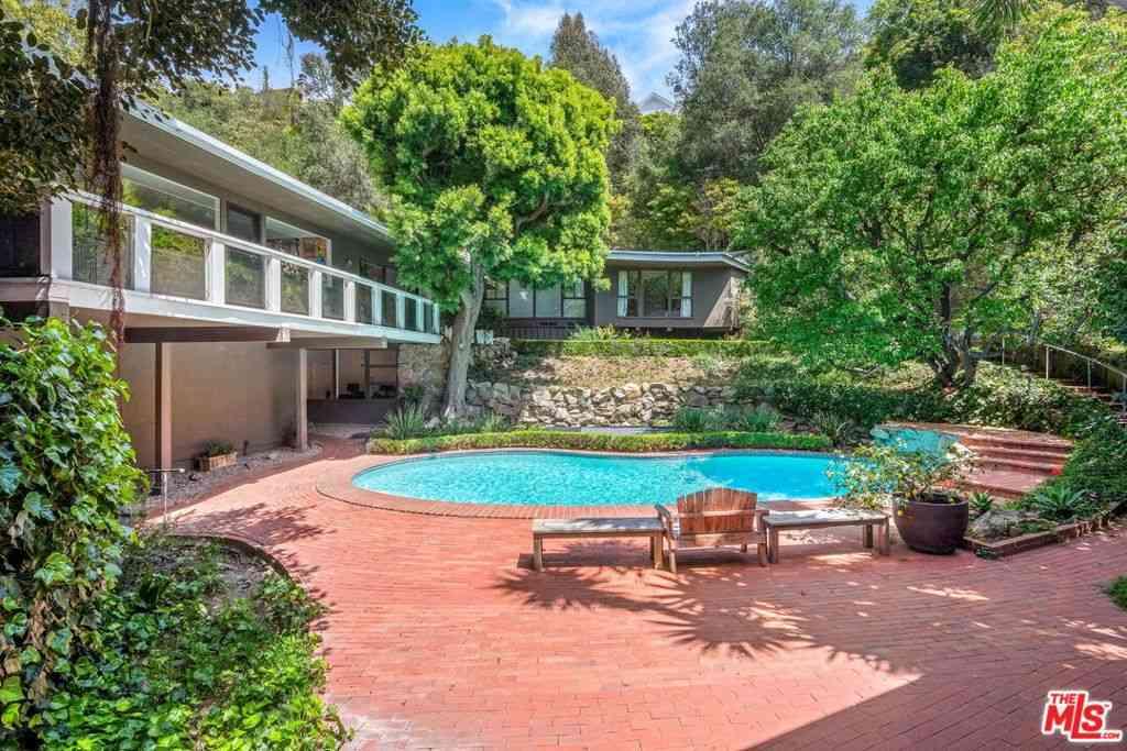 1746 Mandeville Lane, Los Angeles, CA, 90049,