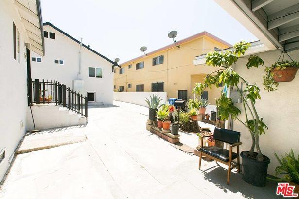 323 N LA FAYETTE PARK Place