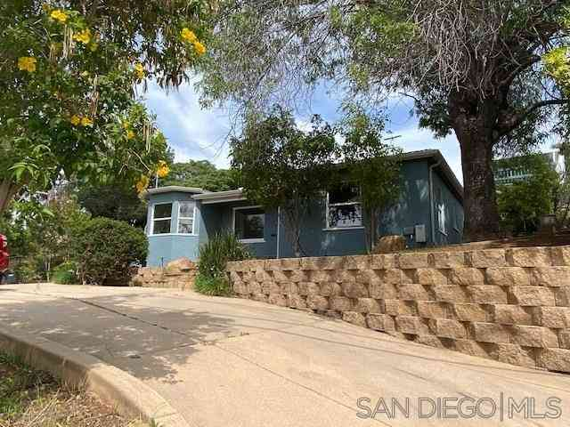 9243 Westhill Road, Lakeside, CA, 92040,