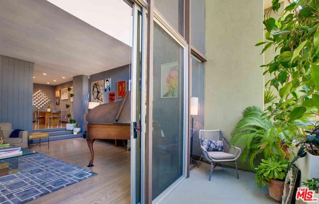 3625 Fredonia Drive #9, Los Angeles, CA, 90068,