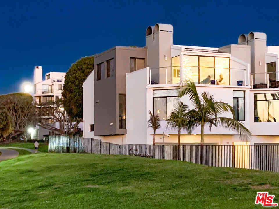 43 Sea Colony Drive, Santa Monica, CA, 90405,