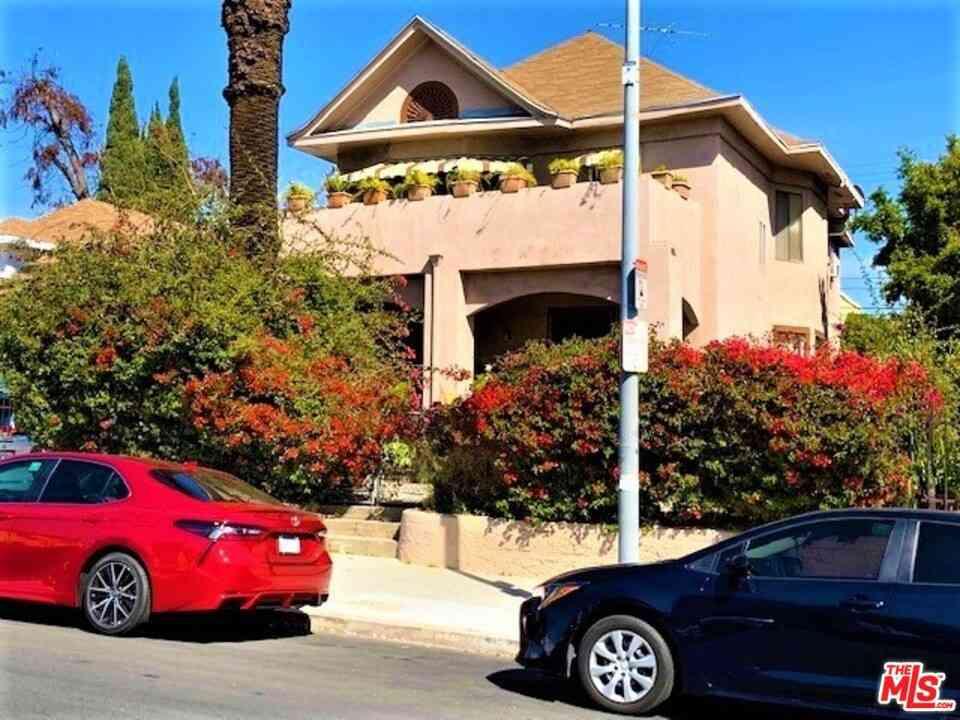 1518 Magnolia Avenue, Los Angeles, CA, 90006,