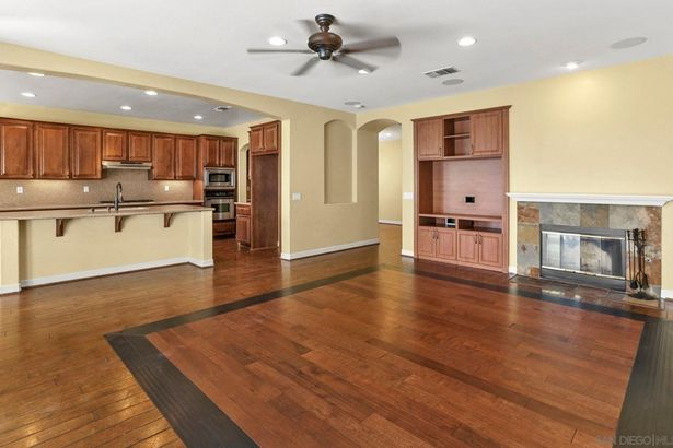 1607 Copper Penny Dr