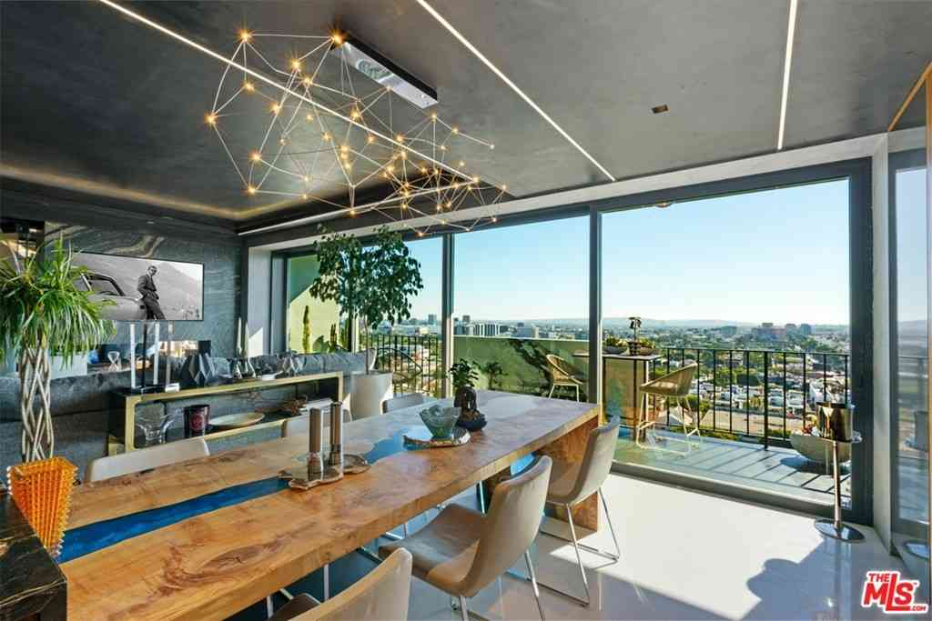818 N Doheny Drive #1404, West Hollywood, CA, 90069,