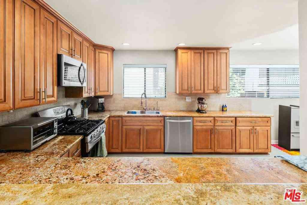 5336 Corteen Place #7, Valley Village, CA, 91607,