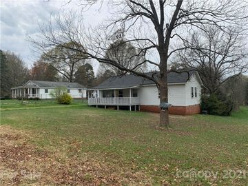 825 Oak Street, Charlotte, NC, 28214,