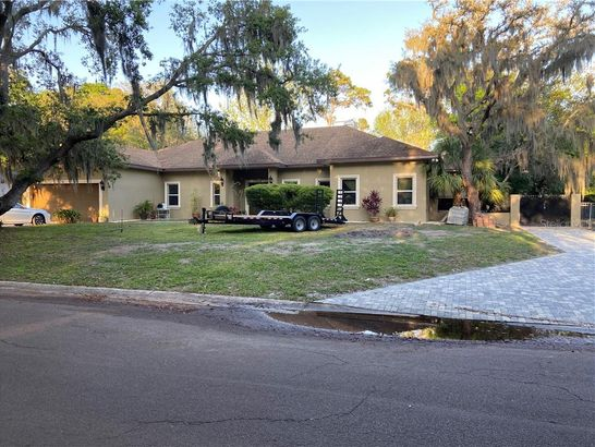 3206 COUNTRY SIDE STREET
