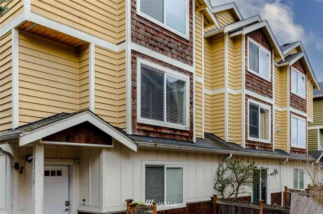 1262 N 143rd Street, Seattle, WA, 98133,