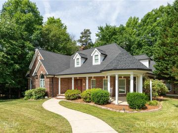 727 Pine Forest Road, Charlotte, NC, 28214,
