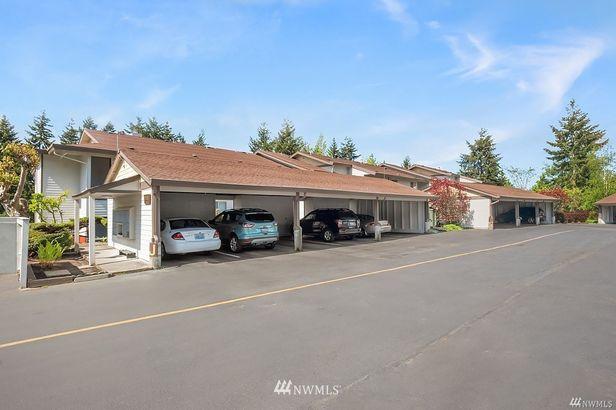 23401 Lakeview Drive #J-304