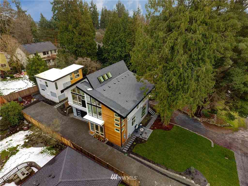 11036 Alton NE, Seattle, WA, 98125,