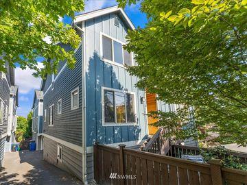 916 N 39th Street, Seattle, WA, 98103,
