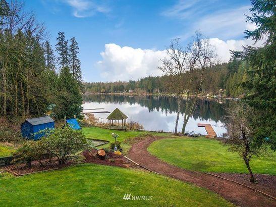 18113 E Spring Lake Dr SE