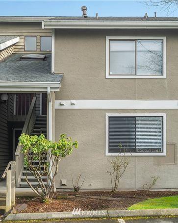 12608 NE 119th Street #B8 Kirkland, WA, 98034
