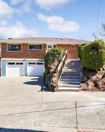 1802 17th Avenue S Seattle, WA, 98144