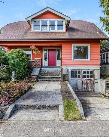 7043 17th Avenue NE Seattle, WA, 98115