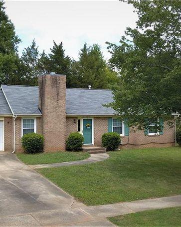 8015 Country Oaks Road Charlotte, NC, 28227