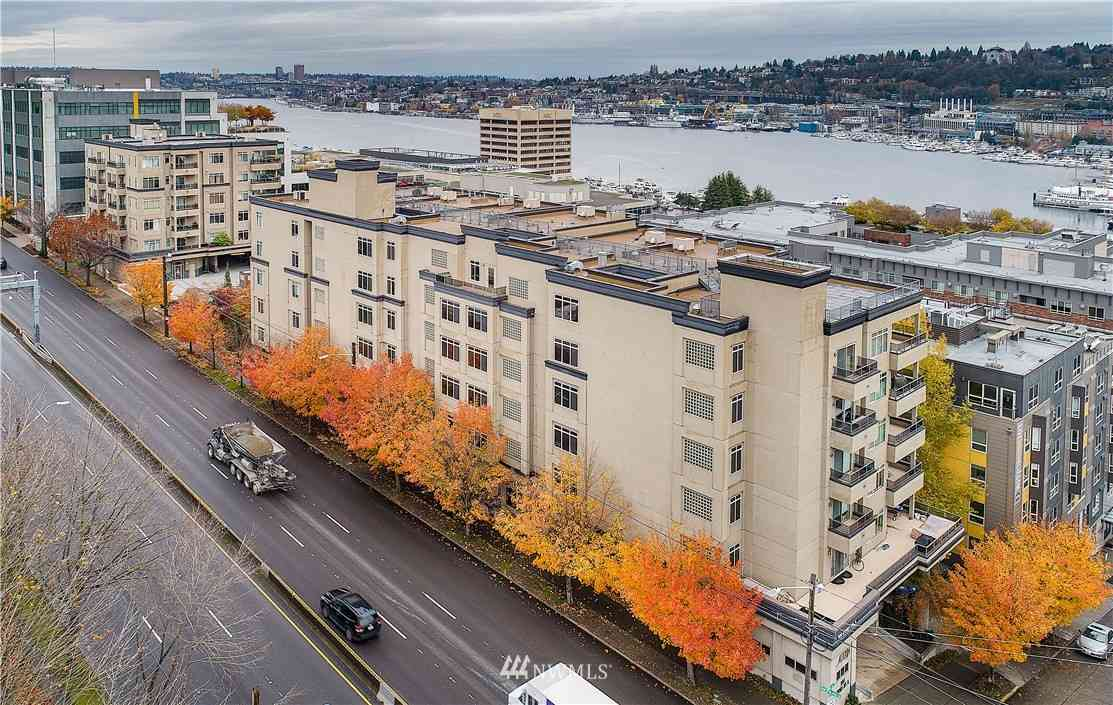 900 Aurora Avenue N #S-208, Seattle, WA, 98109,