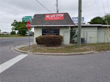 Undisclosed Address, Zellwood, FL, 32798,
