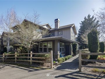 7704 Fairway Avenue SE #601, Snoqualmie, WA, 98065,