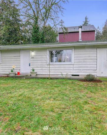 18861 Brockton Avenue NE Suquamish, WA, 98392