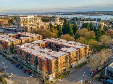 400 W 8th Street #W208, Vancouver, WA, 98660,