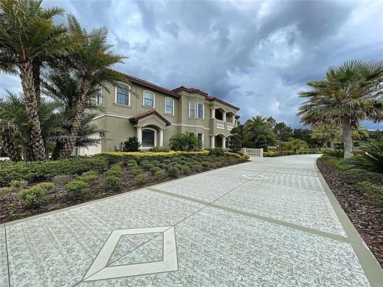 3007 COUNTRY BREEZE DRIVE