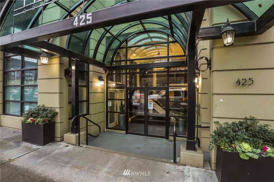 425 Vine Street #301, Seattle, WA, 98121,
