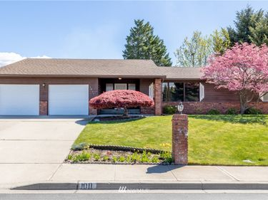 1011 N Fairview Place, East Wenatchee, WA, 98802,