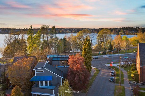 6318 E Green Lake Way N