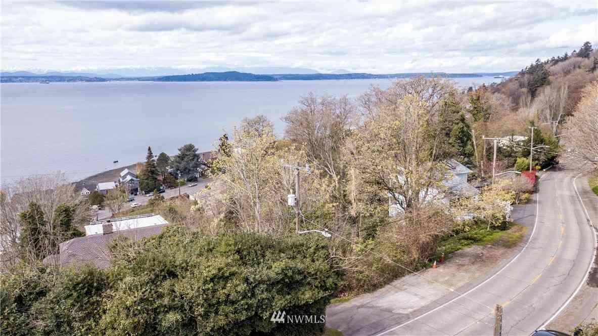 5213 SW Jacobsen Road, Seattle, WA, 98116,