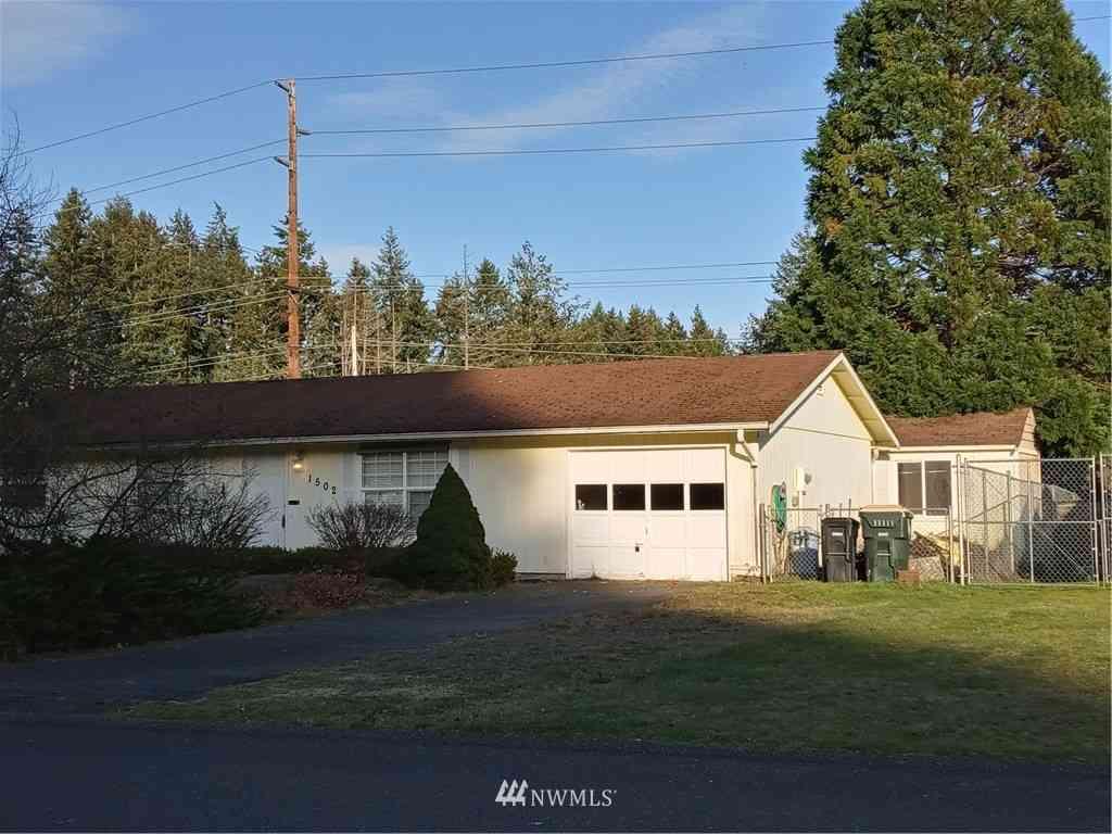 1502 Foxfire Drive SE, Lacey, WA, 98513,