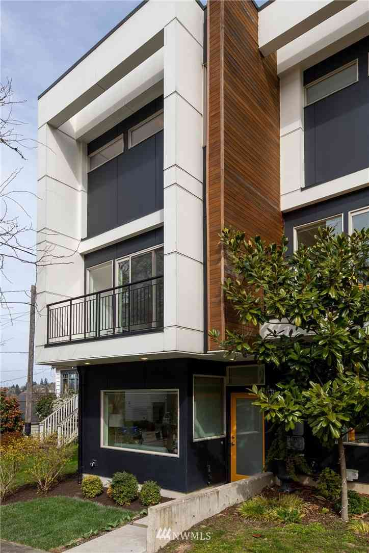 1726 27th Avenue #B, Seattle, WA, 98122,