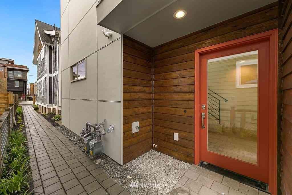 6736 Carleton Avenue S, Seattle, WA, 98108,