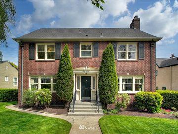 824 W Etruria Street, Seattle, WA, 98119,