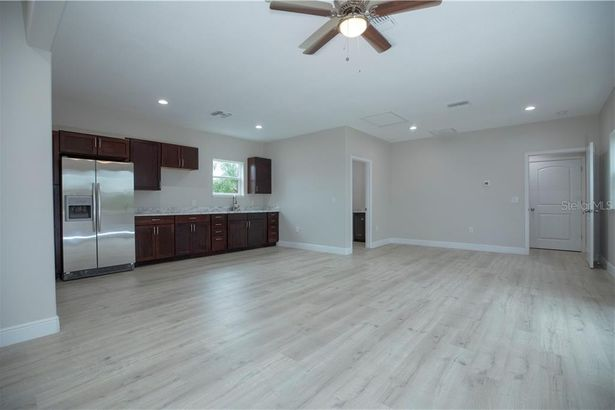 1360 S CHICKASAW TRAIL