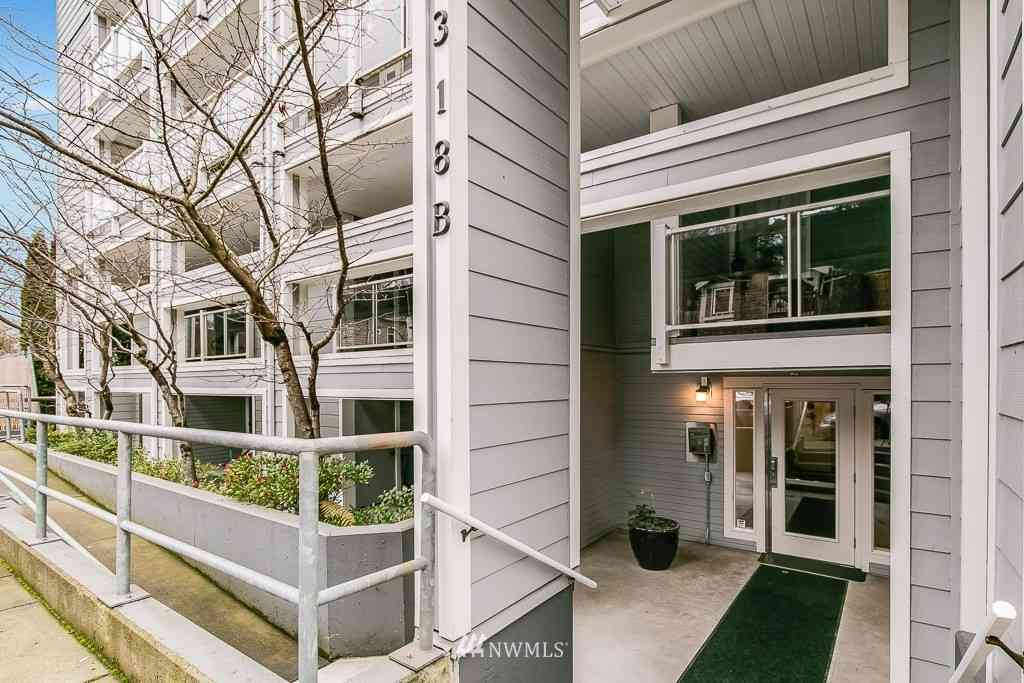 3318 30th Avenue SW #B305, Seattle, WA, 98126,