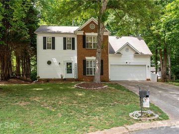 8506 Piccone Brook Lane, Charlotte, NC, 28216,