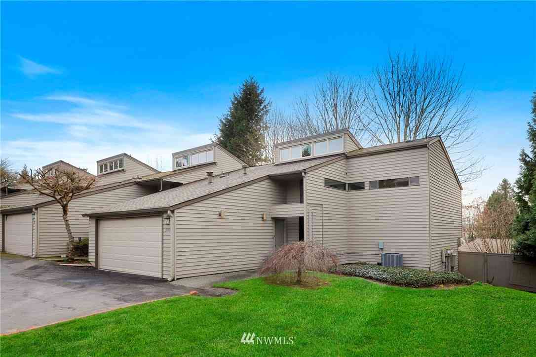 10009 NE 115th Lane #D4, Kirkland, WA, 98033,