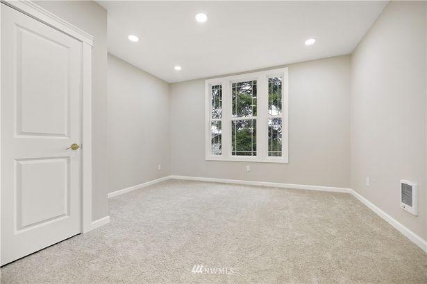 810 S Sprague Avenue