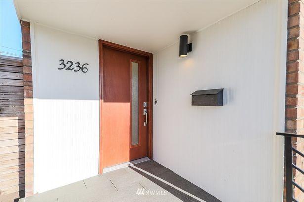 3236 12th Avenue W