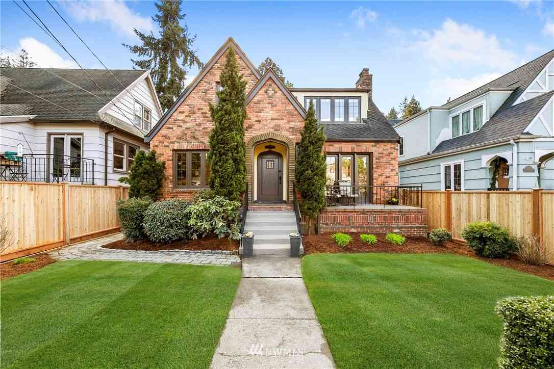 2033 Boyer Avenue E, Seattle, WA, 98112,