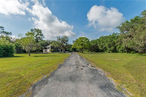31722 STATE ROAD 52
