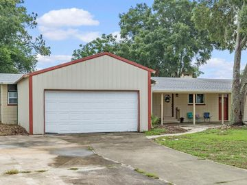 5968 COUNTRY CLUB DRIVE, Dade City, FL, 33523,