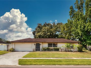 8024 NICKLAUS DRIVE, Orlando, FL, 32825,