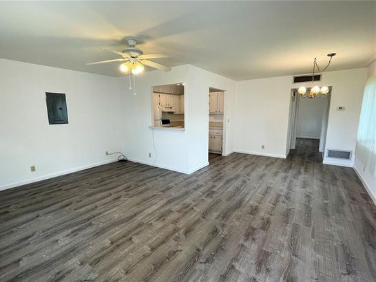 302 ANDOVER PLACE S #162