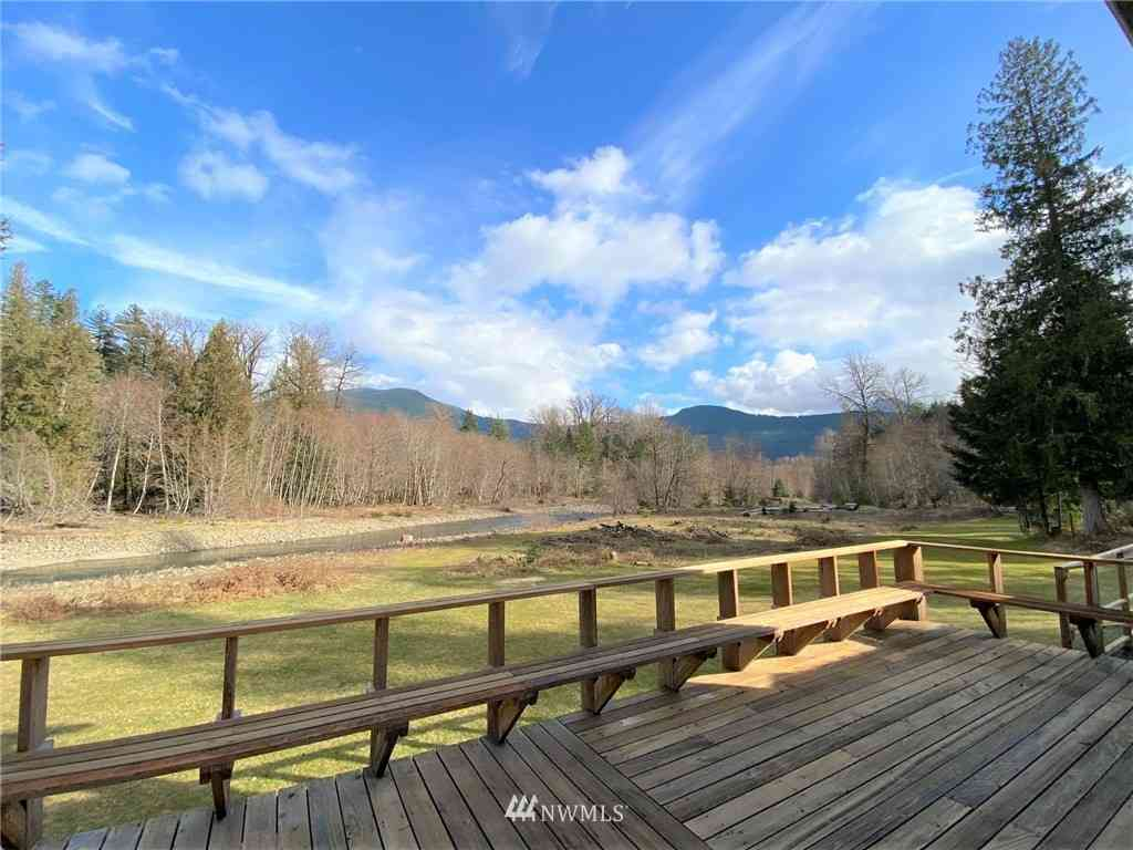 365 Craig Road, Packwood, WA, 98361,