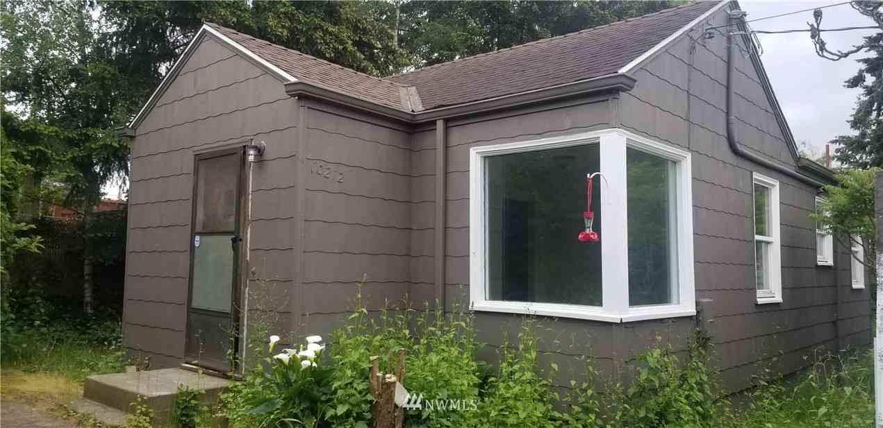 10212 41st Avenue SW, Seattle, WA, 98146,