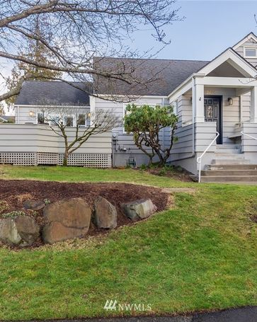 3244 43rd Avenue W Seattle, WA, 98199